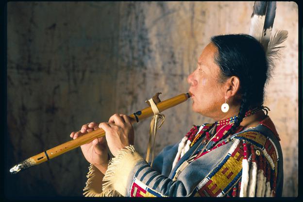 R. Carlos Nakai – So schön kann Flötenmusik sein