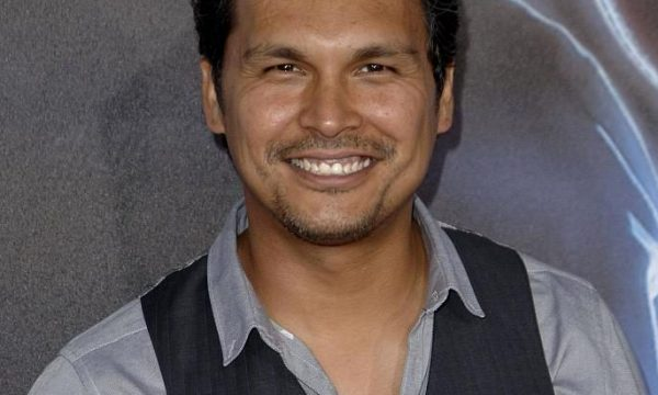 Adam Beach – Indianerspuren in Hollywood